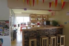 Le bar de la Ruche et l'accès au Fournil